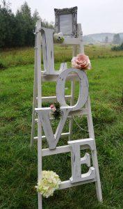 Drabina dekoracyjna z napisem LOVE