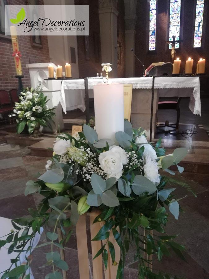 kosciol-kwiaty-stojakbukiet-dekoracja-angeldecorations-wypozyczalnia