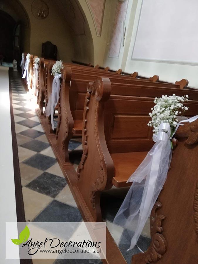 kosciol-lawki-wstazki-dekoracja-angeldecorations-wypozyczalnia