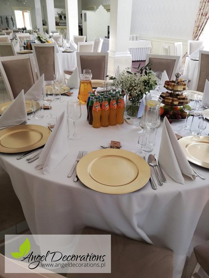 podtaleze-zlote-stol-dekoracja-angeldecorations-wypozyczalnia