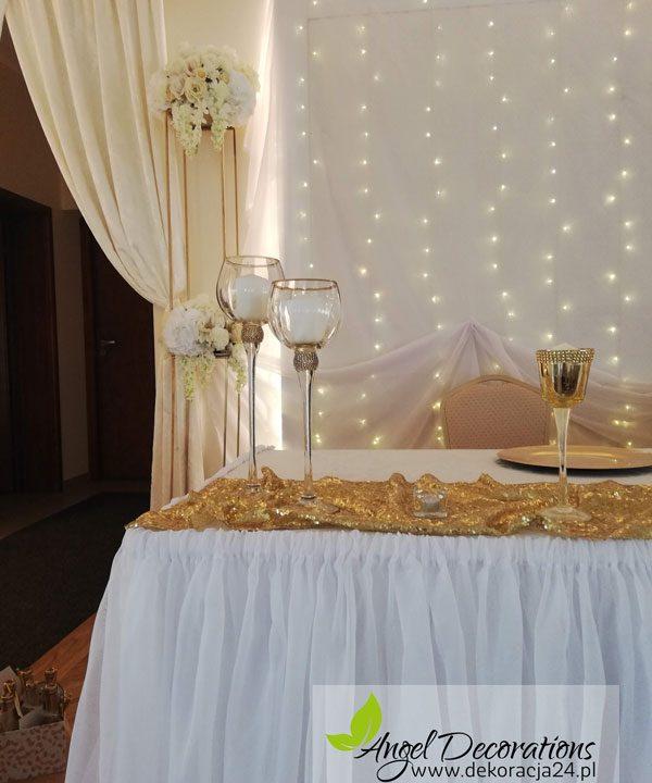 stol-obrus-scianka-led-zloto-swieczniki-AngelDecorations-Krakow