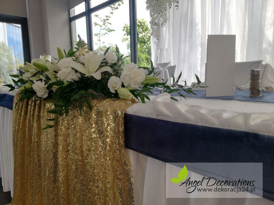 stol-obrus-zloto-kwiaty-AngelDecorations-Krakow