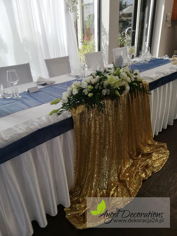 stol-obrus-zloto--ozdobykwiaty-AngelDecorations-Krakow