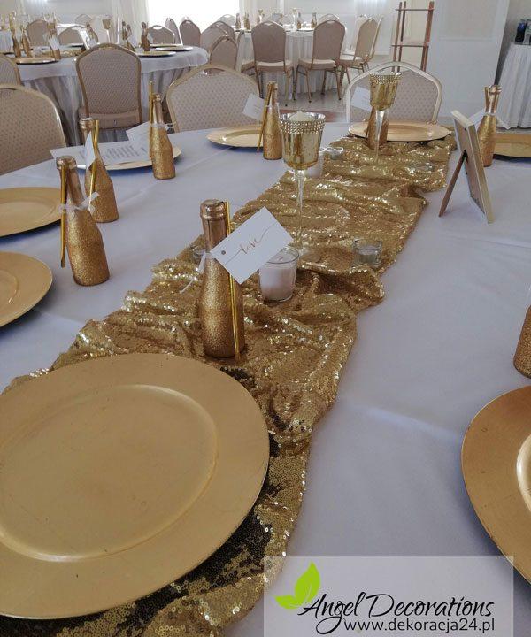 stol-taleze-butelki-zloto-swiecznik-AngelDecorations-Krakow