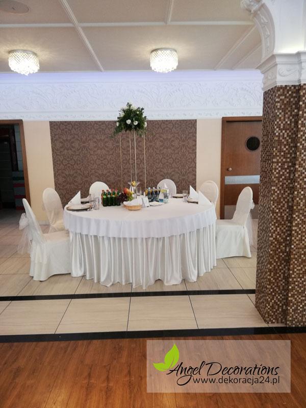 stolik-dekoracje-sala-AngelDecorations-Krakow