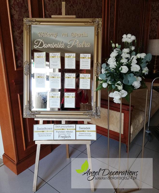 tablica-stojak-bukiet-napisy-winietki-AgnelDecorations-wypozyczalnia-dekoracji-krakow